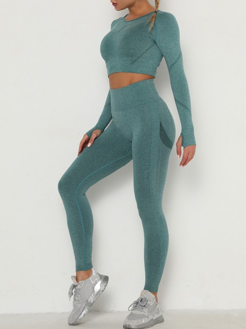 Entrancing Green Running Suit Seamless Moisture-Wicking Workout
